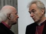 Bischof em. Bernhard Heitz (Österreich) und Erzbischof Dr. Joris Vercammen im Gespräch