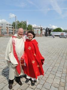 Pastoralteam Hamburg - Pastor Walter Jungbauer & Neupriesterin Oranna Naudascher-Wagner