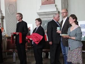 Stola, Kasel, Kelch und Patene für die Neupriesterin Oranna-Naudascher-Wagner