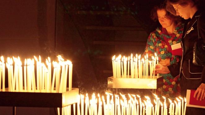 Weihnachtspredigt: Ein Licht in der Finsternis für alle, die im Dunkel wohnen