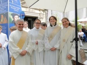 von links nach rechts: Gilbert Then, Klara Göbel, Alexandra Pook, Dr. Dorrit Rönn
