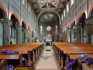 Blick in das Kirchenschiff von St. Gertrudis