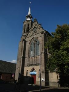 Die römisch-katholische Kathedrale. Daneben ist der Katharinen-Konvent, in dem das 'Nationale Museum für christliche Kunst, Kultur und Geschichte' untergebracht ist (einige Exponate kommen noch auf späteren Bildern)