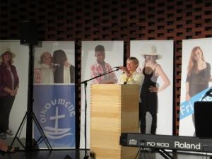 Bischöfin Kirsten Fehrs bei der Eröffnung der Ausstellung